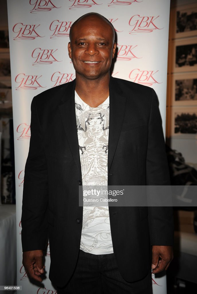 Hall of Famer Warren Moon attends the GBK Gift Lounge at Player's Press Pre-Super Bowl Party at Sagamore Hotel on February 3, 2010 in Miami Beach, Florida.