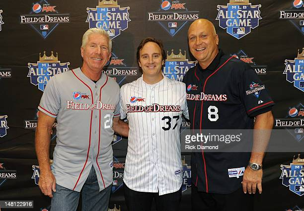 Hall of Famers Mike Schmidt and Cal Ripken Jr and celebrity baseball fan and actor/comedian Jay Mohr announce the fanselected American League and...