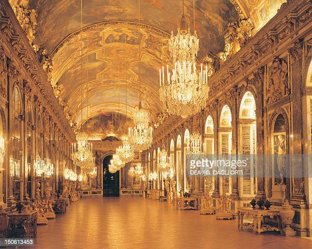 Hall of Mirrors, Palace of Versailles . France, 17th century.