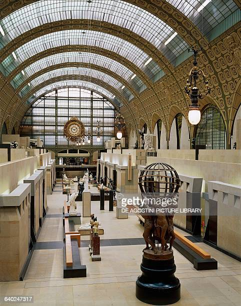 Hall of sculptures on the ground floor of the Musee d'Orsay, in the Gare d'Orsay renovated between 1978 and 1986 by Gae Aulenti , Paris, France.