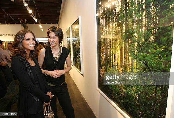 SANTA MONICA CA APRIL 04 Halle Berry and Alexandra Hedison attend Alexandra Hedison's 'ITHAKA' opening at Month Of Photography LA at Frank Pictures...