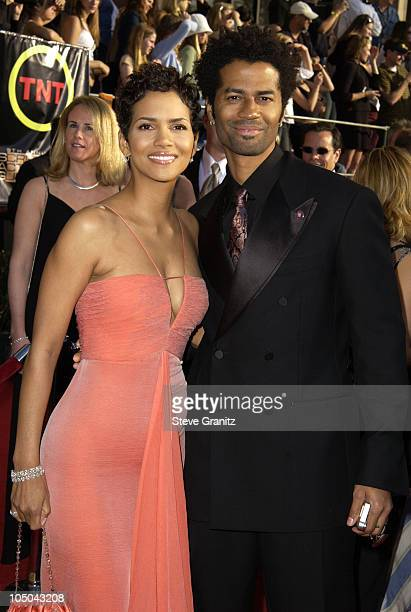 Halle Berry and Eric Benet during 9th Annual Screen Actors Guild Awards Arrivals at Shrine Exposition Center in Los Angeles California United States