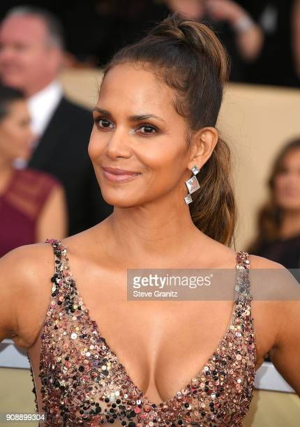 Halle Berry arrives at the 24th Annual Screen ActorsGuild Awards at The Shrine Auditorium on January 21 2018 in Los Angeles California