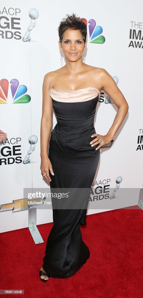 Halle Berry arrives at the 44th NAACP Image Awards held at The Shrine Auditorium on February 1, 2013 in Los Angeles, California.