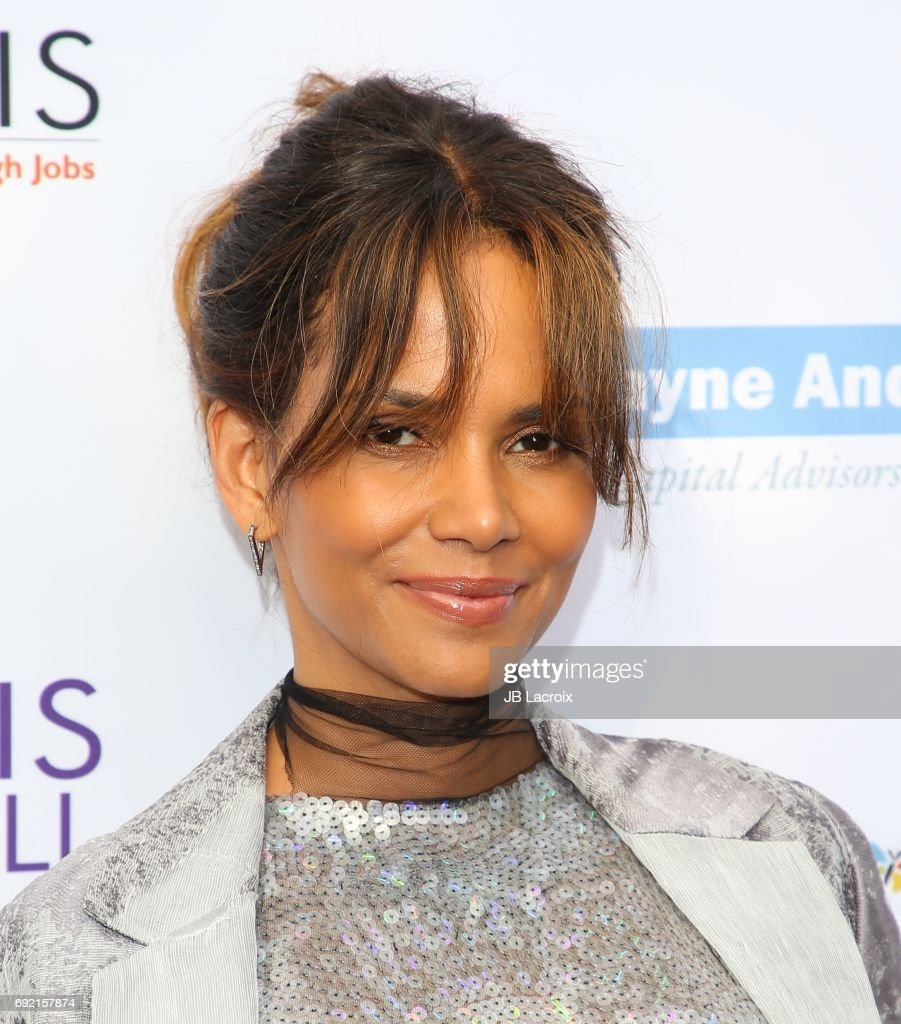 16th Annual Chrysalis Butterfly Ball - Arrivals : News Photo