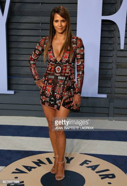 Halle Berry attends the 2018 Vanity Fair Oscar Party following the 90th Academy Awards at The Wallis Annenberg Center for the Performing Arts in...