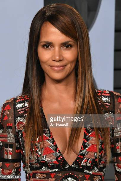 Halle Berry attends the 2018 Vanity Fair Oscar Party hosted by Radhika Jones at Wallis Annenberg Center for the Performing Arts on March 4 2018 in...
