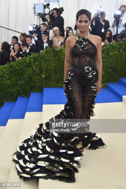 Halle Berry attends the 'Rei Kawakubo/Comme des Garcons Art Of The InBetween' Costume Institute Gala at Metropolitan Museum of Art on May 1 2017 in...