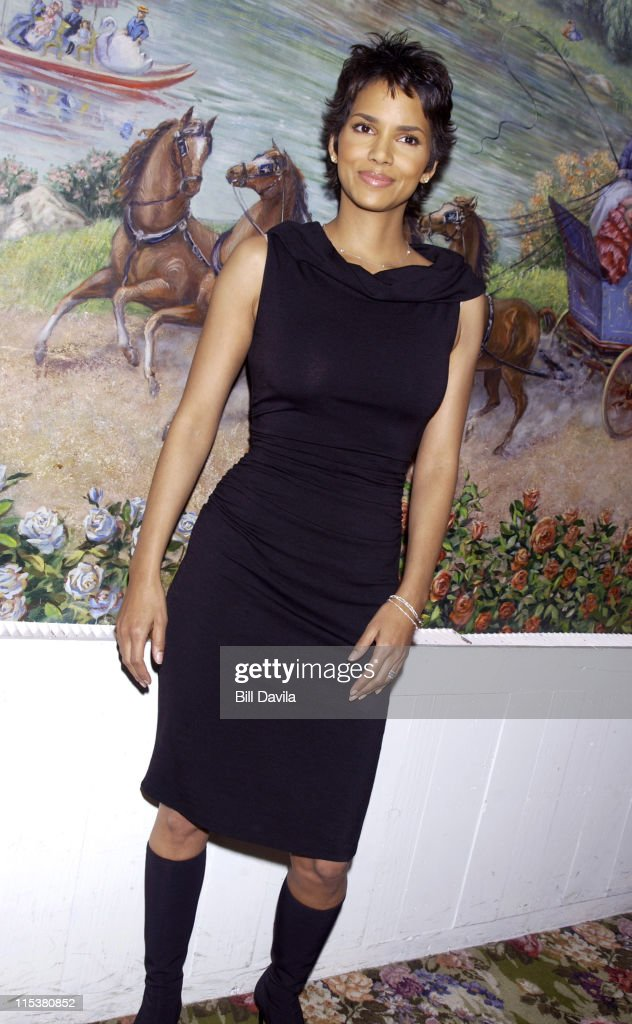 Halle Berry during 2001 National Board of Review Awards at Tavern on the Green in New York, NY, United States.
