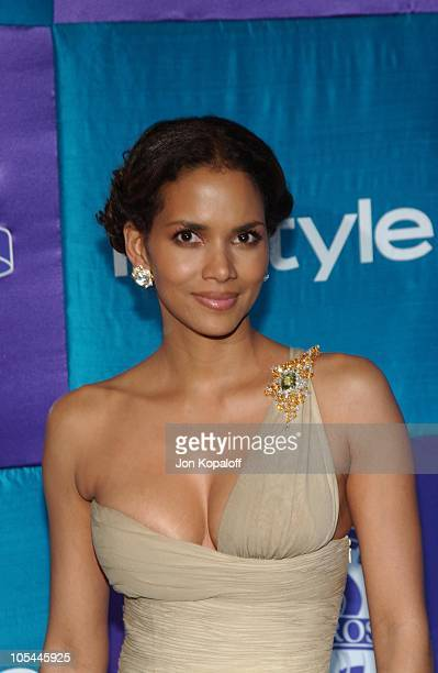 Halle Berry during 2005 InStyle/Warner Bros. Golden Globes Afterparty - Arrivals at Beverly Hills Hilton in Beverly Hills, California, United States.