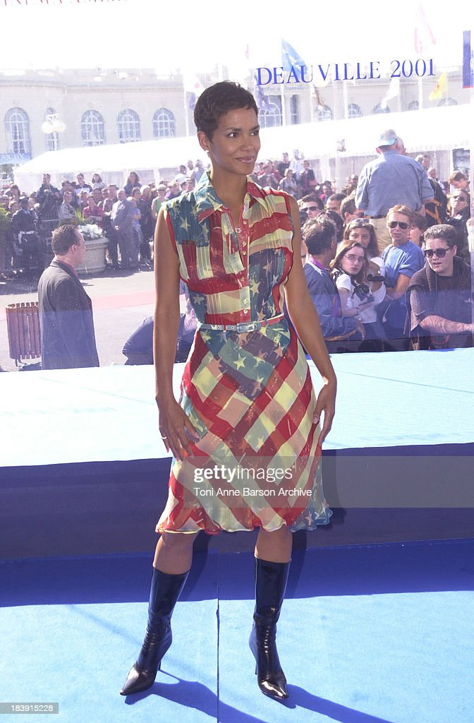Halle Berry during Deauville 2001 - Swordfish Photocall at