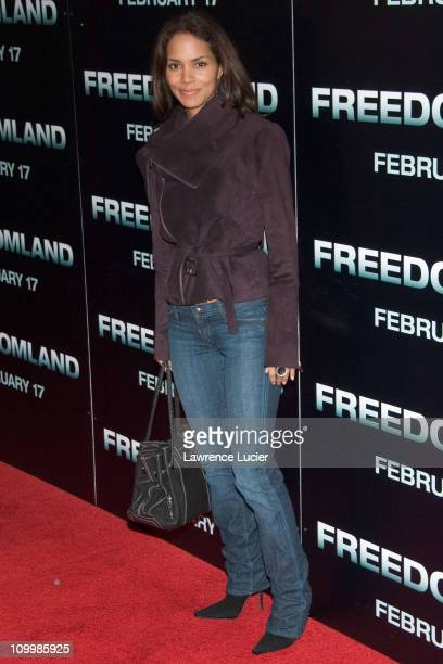 Halle Berry during Freedomland World Premiere Outside Arrivals at Loews Lincoln Square in New York City New York United States