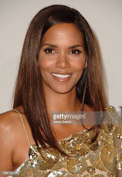 Halle Berry during MercedesBenz Presents the 17th Carousel of Hope Ball Arrivals at Beverly Hilton Hotel in Beverly Hills California United States