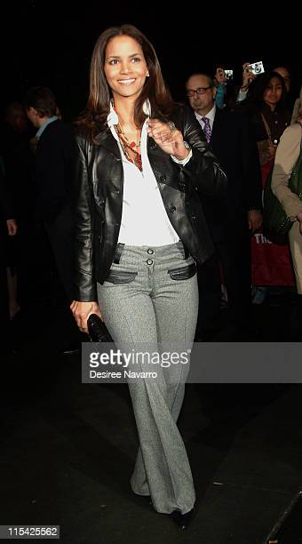 Halle Berry during Thank You For Smoking New York Premiere Outside Arrivals March 12 2006 at Museum of Modern Art in New York City New York United...