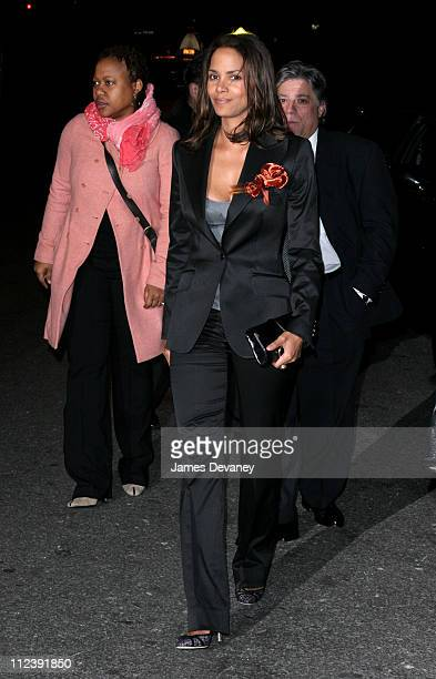 Halle Berry during The 2005 National Board of Review of Motion Pictures Awards Ceremony Outside Arrivals at Tavern On The Green in New York City New...