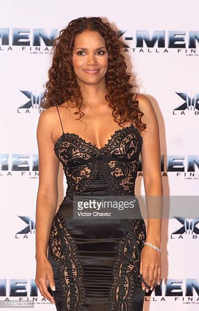 Halle Berry during XMen The Last Stand Mexico City Red Carpet May 15 2006 at Auditorio Nacional in Mexico City Mexico