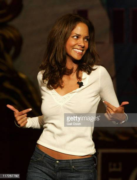 Halle Berry Hasty Pudding Theatricals' Woman of the Year