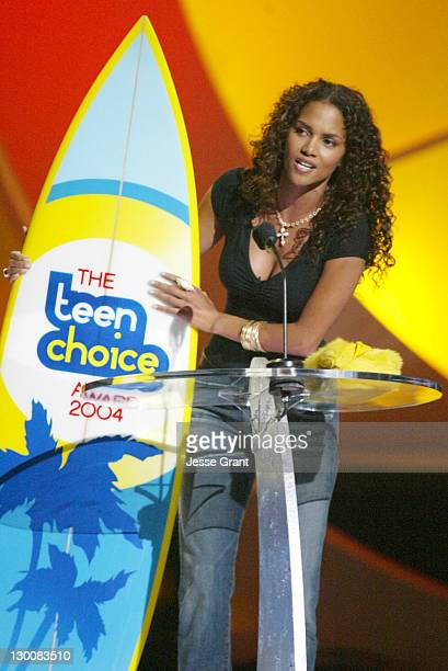Halle Berry winner of Choice Movie Actress Drama/Adventure for 'Gothika'
