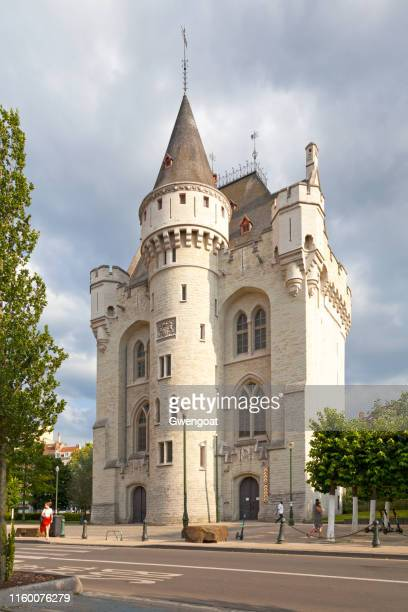 halle gate in brussels - gwengoat stock pictures, royalty-free photos & images