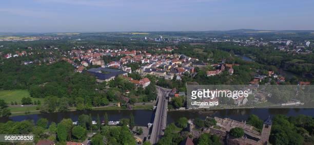Halle Saale / Burg Giebichenstein Saaletal StadtteilKröllwitz Sachsen Anhalt Luftaufnahme Drohnenaufnahme Drohnenbild Drohnenaufnahme Stadtansicht...