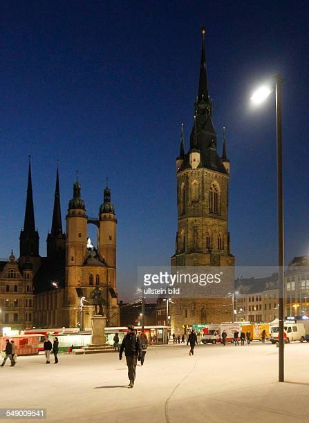 Halle / Saale Markt Marktplatz Nachtaufnahme mit Roter Turm und Marktkirche