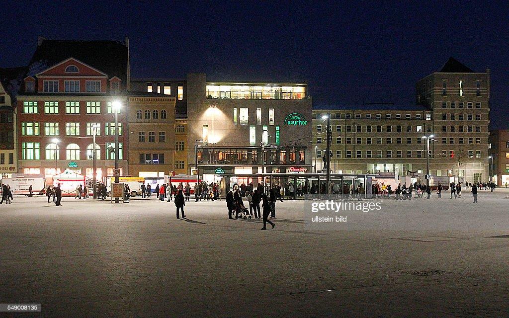 02.02.2011 Halle  / saale   Marktplatz Nachtaufnahme : News Photo