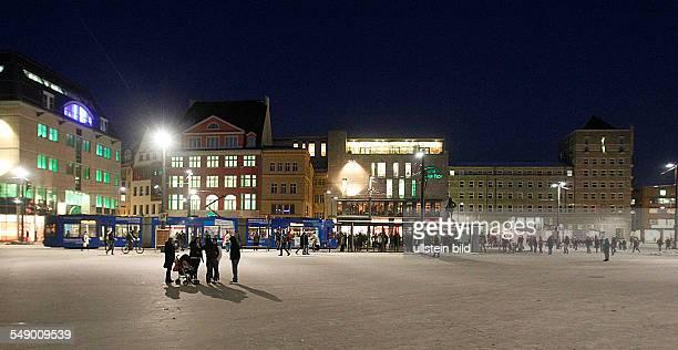 Halle / saale Marktplatz Nachtaufnahme
