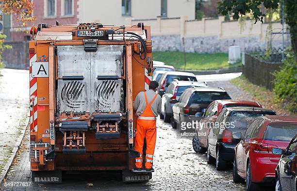 Halle / Saale Städtische Müllabfuhr Müllfahrzeug