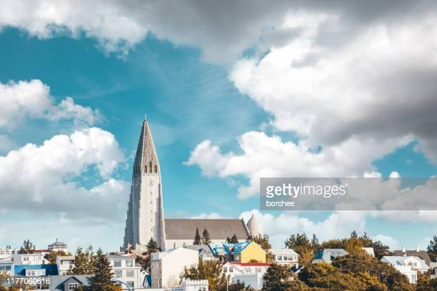 hallgrimskirkja in iceland - reykjavik stock pictures, royalty-free photos & images