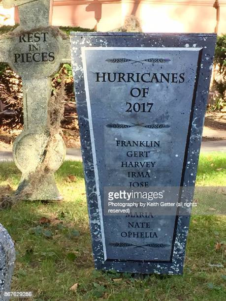 halloween cemetery headstones - rest in peace stock pictures, royalty-free photos & images