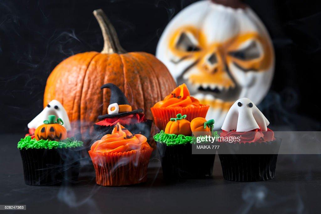 Halloween Cupcakes : Stock Photo