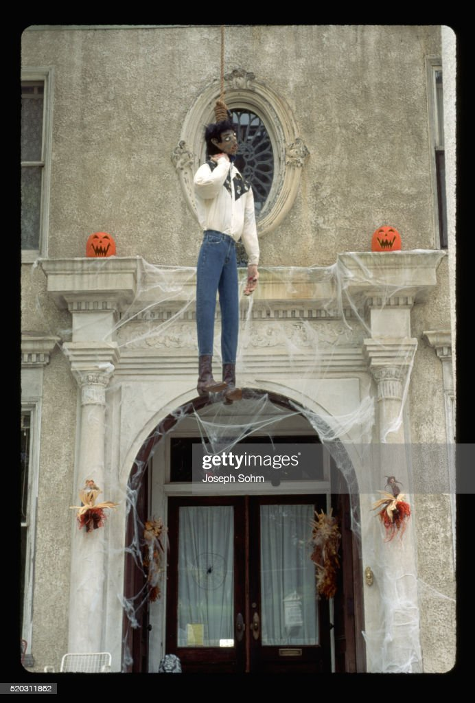 Halloween Decorations In Front Of House Stock Foto Getty Images