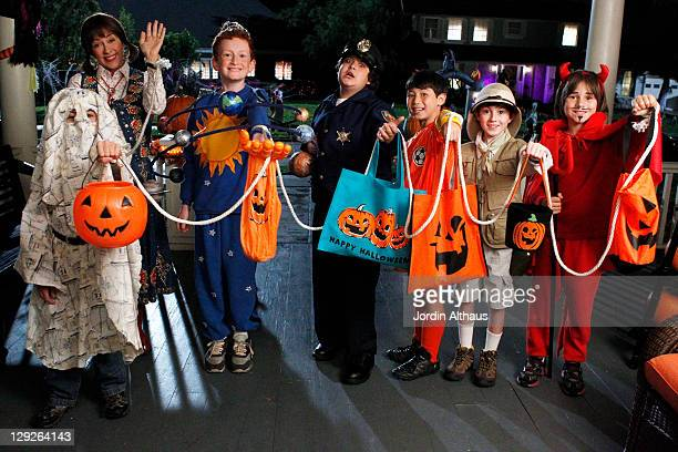 THE MIDDLE 'Halloween II' After being embarrassed over wearing a childish costume at a high school Halloween costume party and being ignored by the...