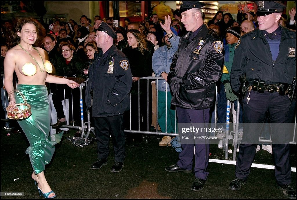 Halloween parade In New York city, United States On October 31, 2000- : News Photo