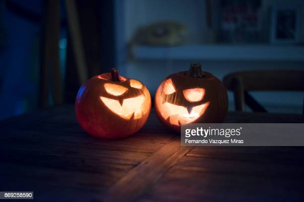 halloween pumpkins - scary movie stock photos and pictures