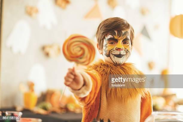 halloween doces - só um menino - fotografias e filmes do acervo