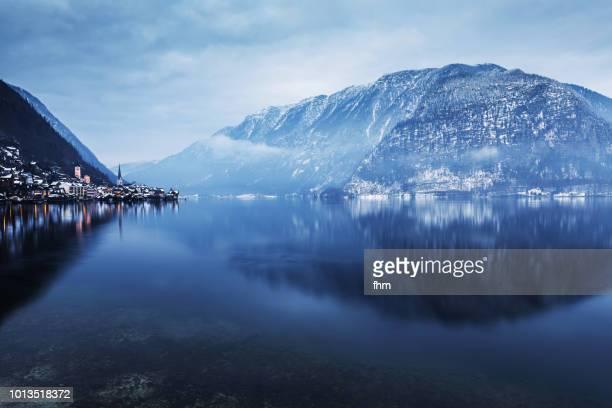hallstatt, lake hallstatt and the alps (austria) - austrian culture stock pictures, royalty-free photos & images