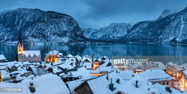 hallstatt panorama - hallstatter see stock pictures, royalty-free photos & images