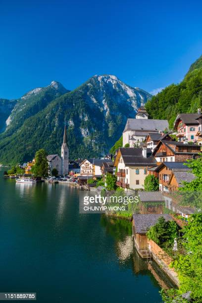hallstatt village and hallstatter see lake in austria - salzburg stock pictures, royalty-free photos & images