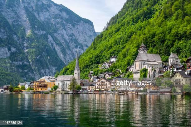 hallstatt village, austria - hallstatt stock-fotos und bilder