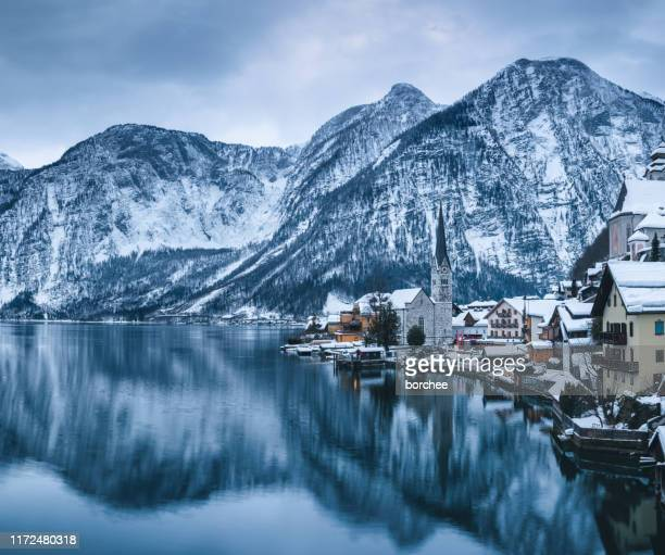 hallstatt village - hallstatter see stock pictures, royalty-free photos & images