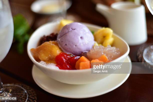halo-halo - angel halo stock pictures, royalty-free photos & images