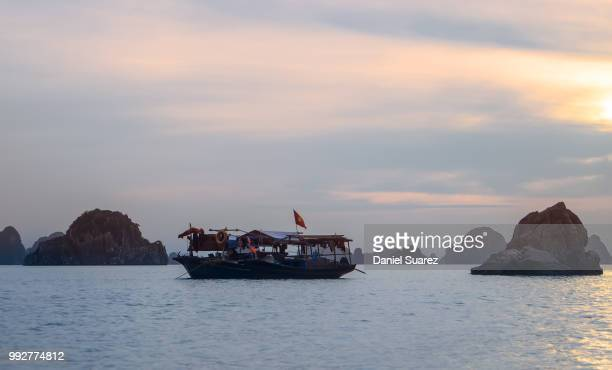 halong sunset - suarez stock pictures, royalty-free photos & images