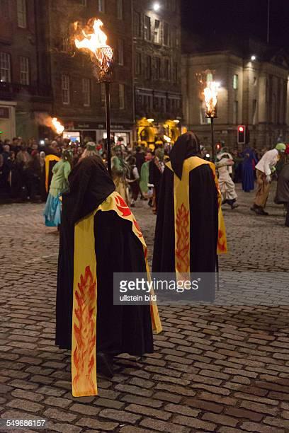 Haloween Parade auf der Royal Mile in der Altstadt von Edinburgh