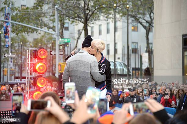 Halsey and Justin Bieber perform on the Citi Concert Series on TODAY at Rockefeller Center on November 18 2015 in New York City