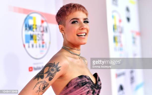 Halsey attends the 2018 American Music Awards at Microsoft Theater on October 9, 2018 in Los Angeles, California.