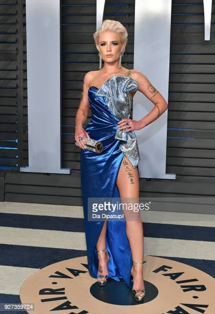 Halsey attends the 2018 Vanity Fair Oscar Party hosted by Radhika Jones at Wallis Annenberg Center for the Performing Arts on March 4 2018 in Beverly...