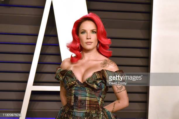 Halsey attends the 2019 Vanity Fair Oscar Party at Wallis Annenberg Center for the Performing Arts on February 24 2019 in Beverly Hills California