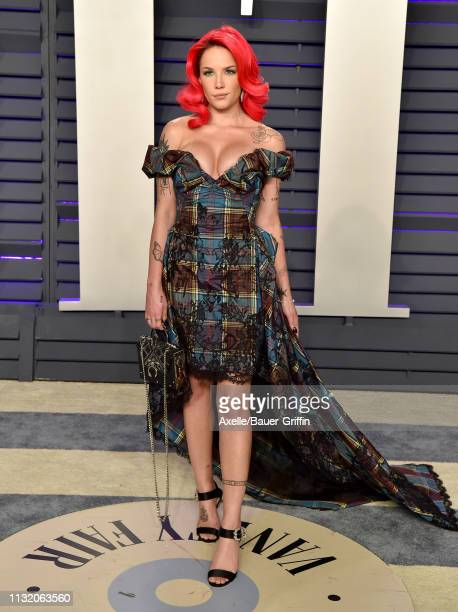 Halsey attends the 2019 Vanity Fair Oscar Party Hosted By Radhika Jones at Wallis Annenberg Center for the Performing Arts on February 24 2019 in...