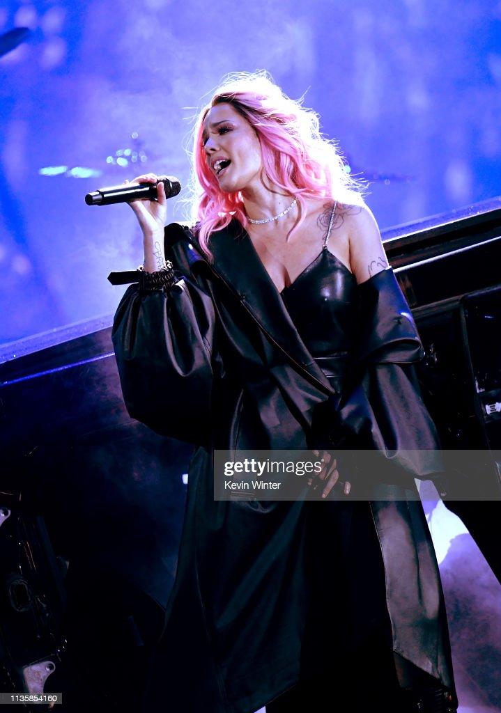 2019 iHeartRadio Music Awards – Show : News Photo